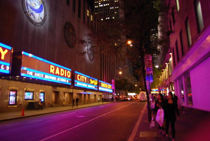 Ночной Манхетен 9 октября 2010 Radio City Hall