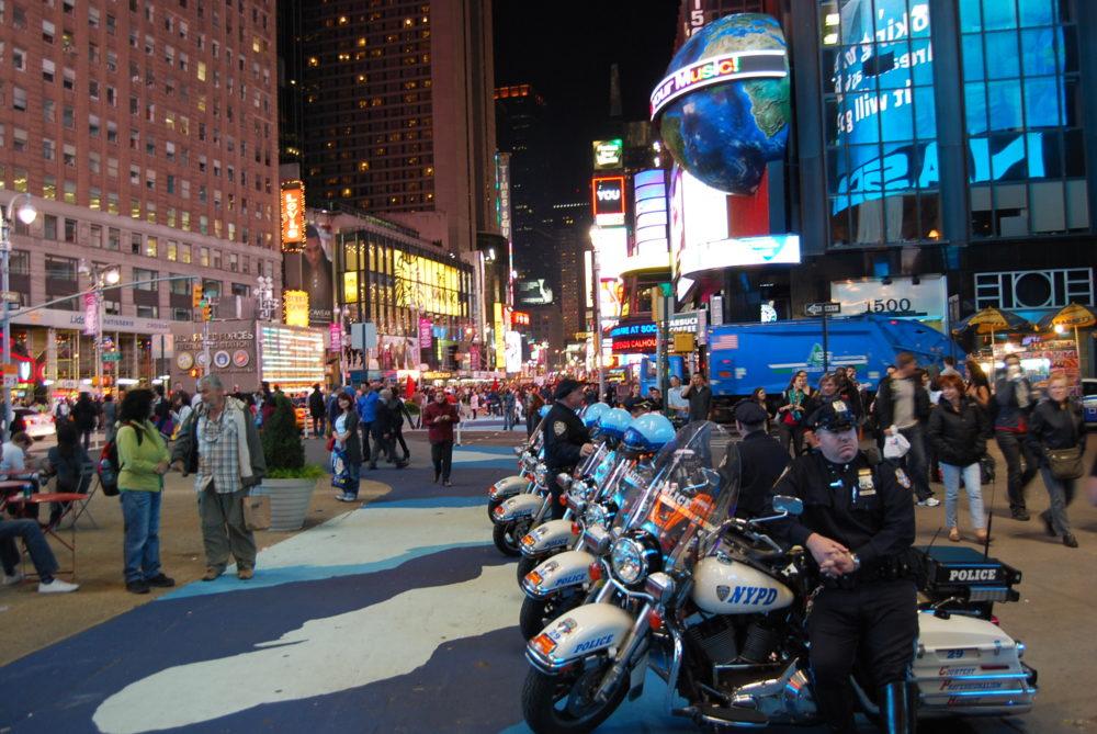 Полицейские мотоциклы Нью-Йорк Тайм Сквер 8 Октября 2010