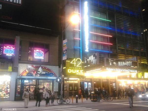 """Ноябрь в Манхэттене на 42 Стрит японская """"закусочная"""". 3 Ноября 2011. 10 вечера"""