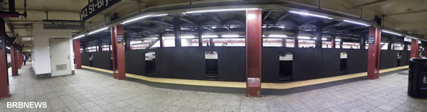Платформа метро на 42 Стрит Брайант Парк Манхеттен Нью-Йорк
