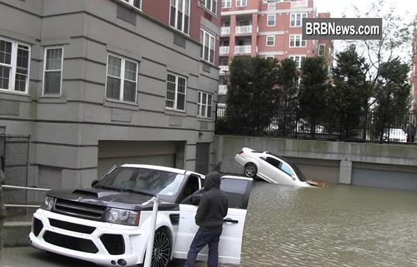Подтопленные машины восстановление в Нью-Йорке
