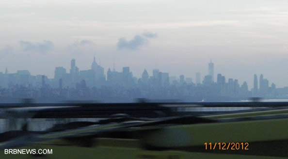 Продажа недвижимости в Нью-Йорке . Силуэт города